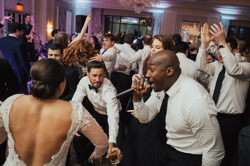 Jermaine captivates the crowd at wedding in Connecticut